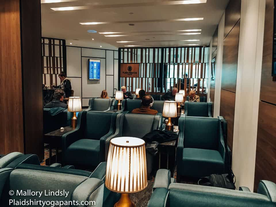 Exploring the Plaza Premium Lounge at Toronto Pearson International Airport was an excellent way to start my solo trip to Madison, Wisconsin! I enjoyed sliders, salad, cauliflower, and more!